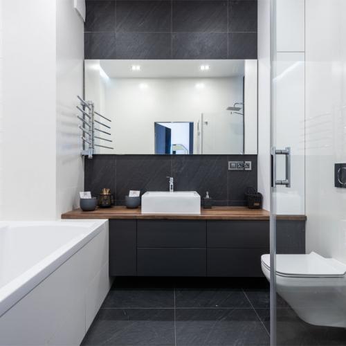 Miroir décoratif sur-mesure pour salle de bain